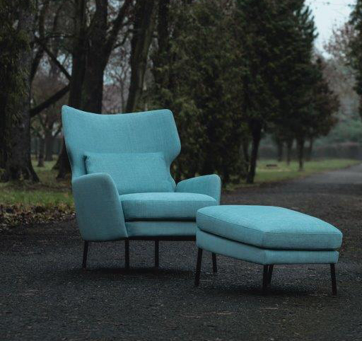 ALEX_arrangement_armchair_footstool_mattis49_light_turquoise_3